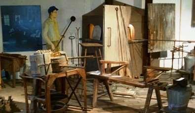 Modell av en hytta i Fåglaviks Glasbruksmuseum