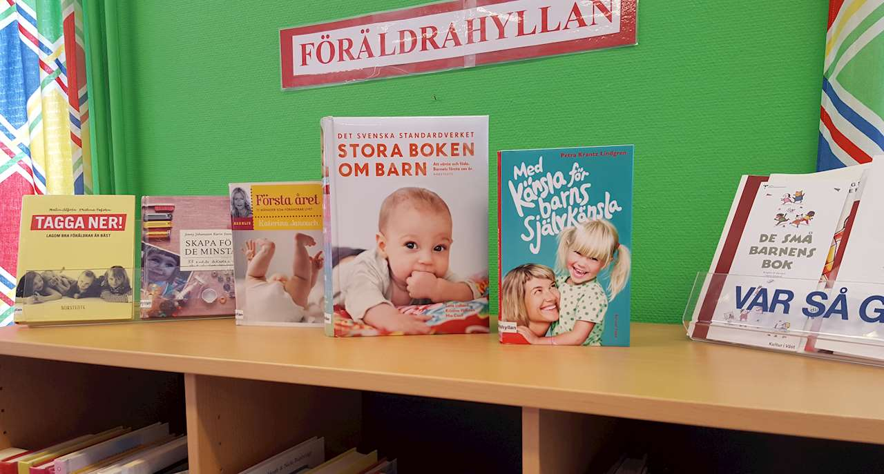 Föräldrahyllan med böcker om barn och att vara förälder